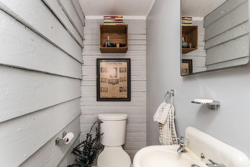 011_Hallway Half Bath.jpg