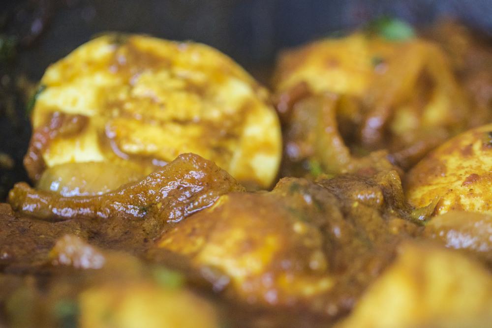 Dimer Dalna Light Bengali Egg Curry_0730_1.jpg