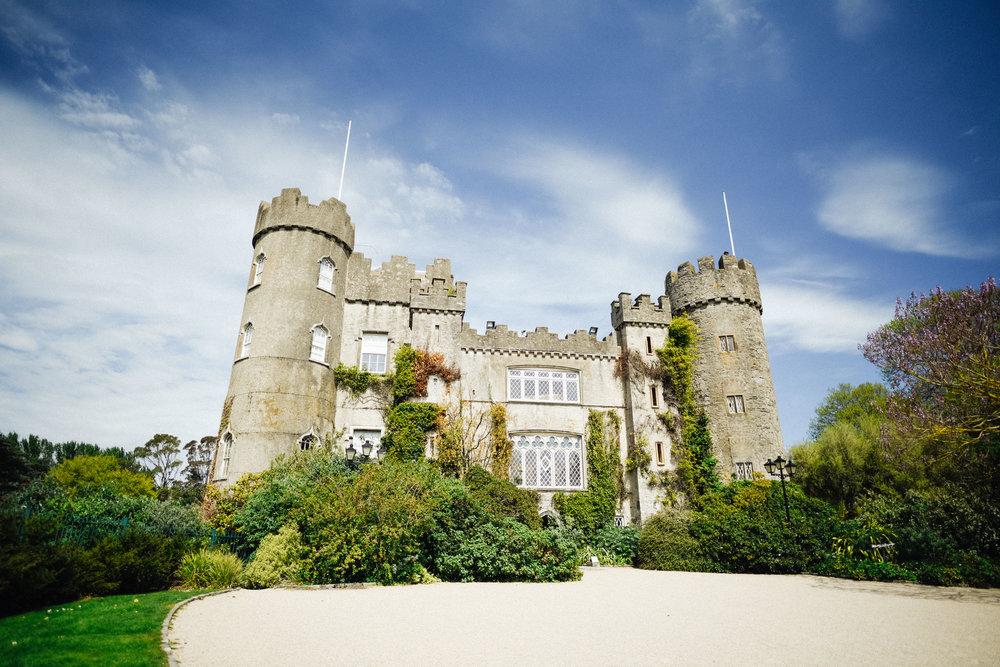 Castle picnic (1 of 6).jpg