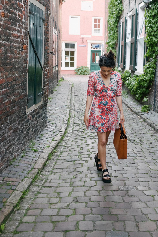 flower dress (7 of 11).jpg