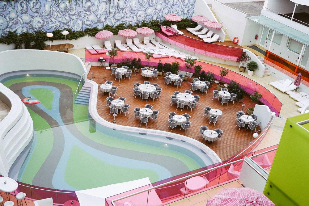 Yes! Hotel Semiramis