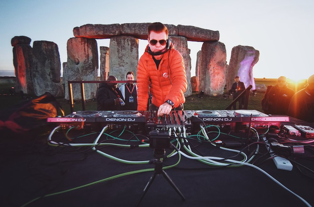 PAUL OAKENFOLD PERFORMS A SUNSET SET AT STONEHENGE IN A HISTORICAL FIRST-EVER PERFORMANCE AT THE UK'S WONDER OF THE WORLD - Watch CNN Interview