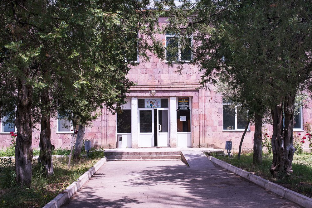 Entrance to the school in Choratan