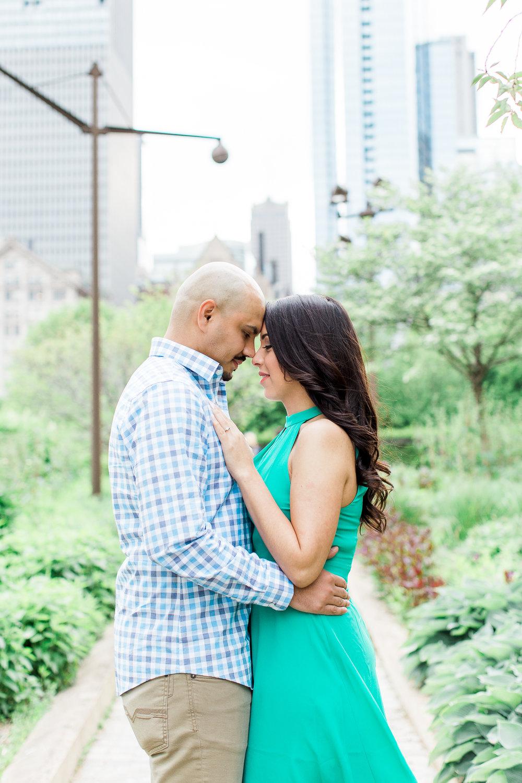 wedding-photographer-chicago-classy-engagement-olive-park-4