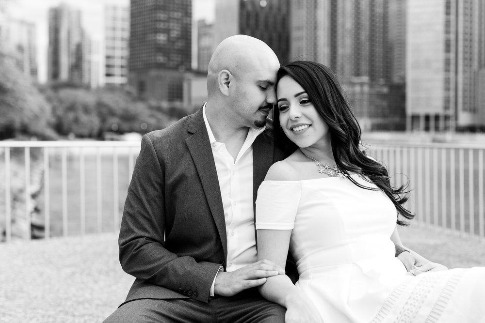 wedding-photographer-chicago-classy-engagement-olive-park-20