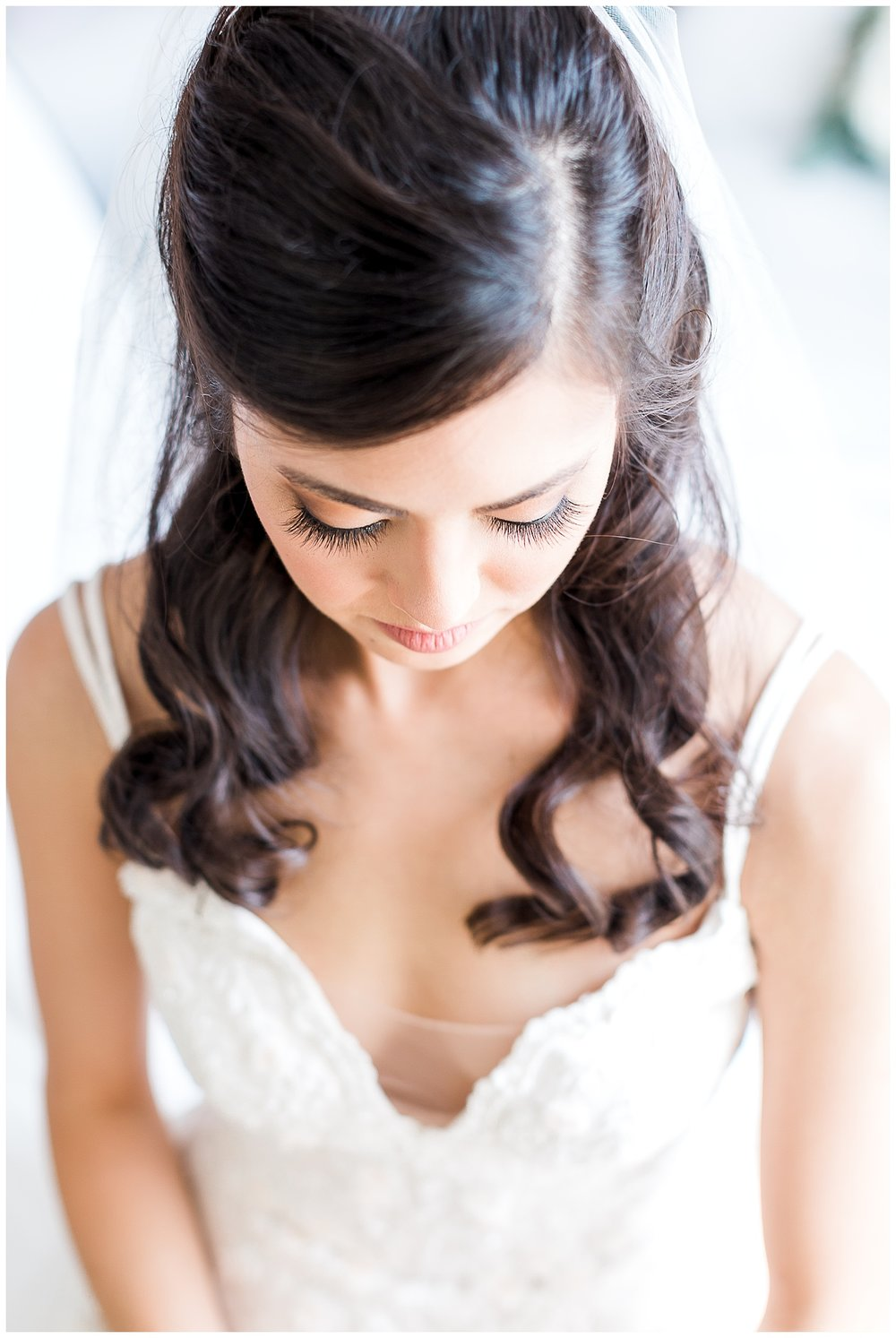 chicago-wedding-photographer-naperville-romantic-bride-groom-neutrals-blush-11.jpg