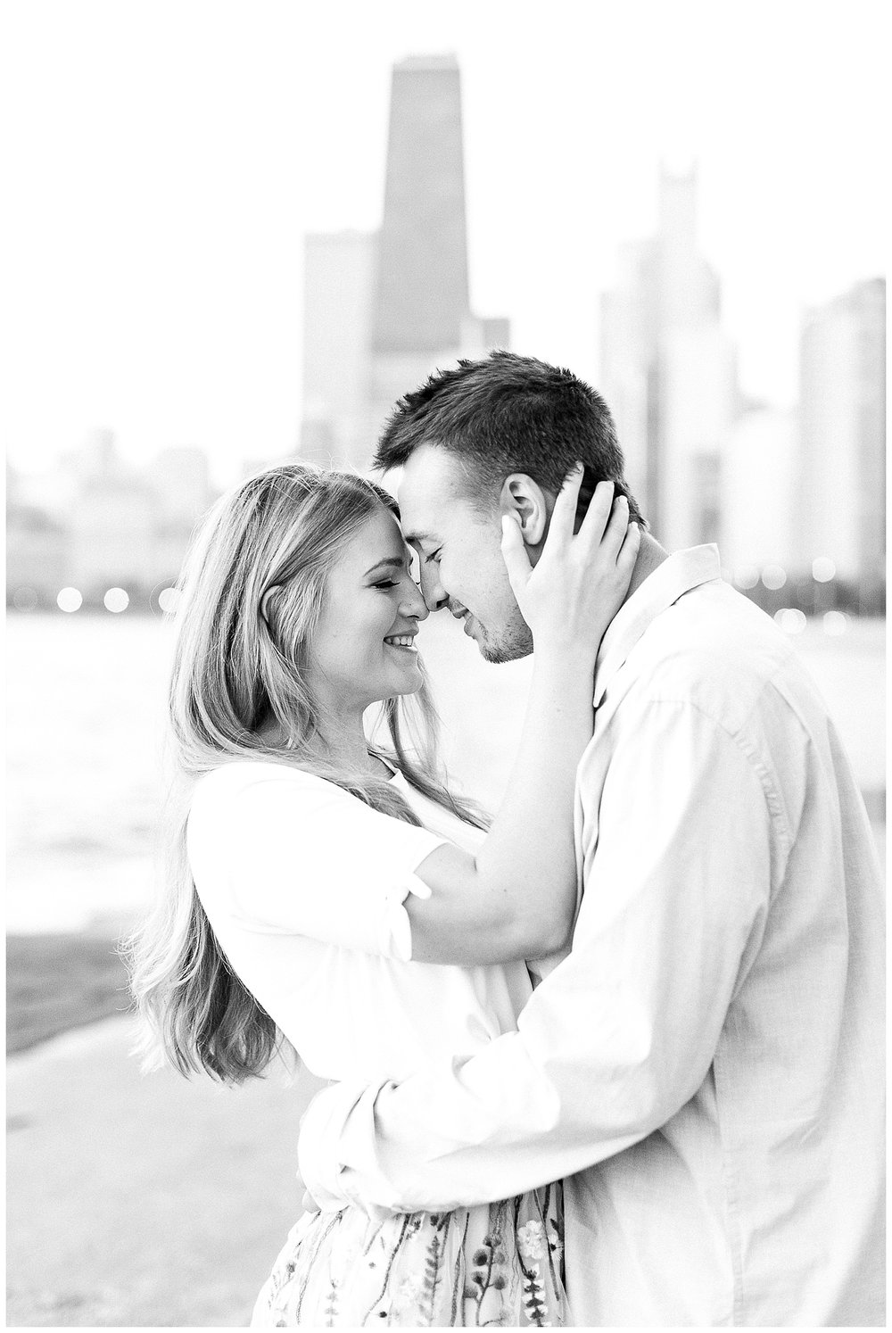 Lincoln-Park-Chicago-Engagement-Photographer-9.jpg