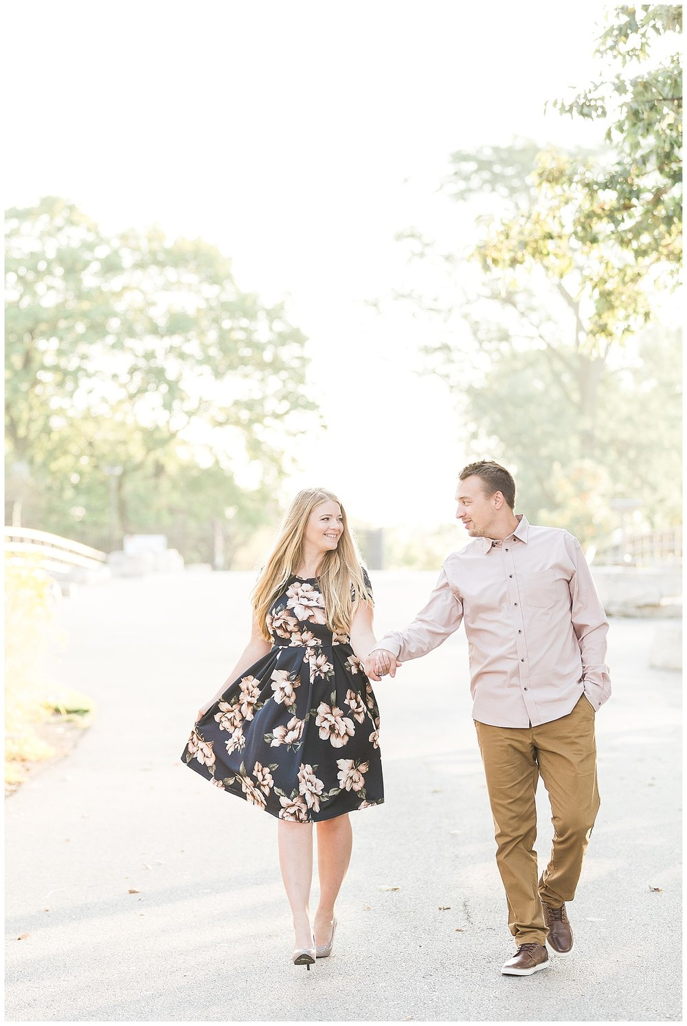 Lincoln-Park-Chicago-Engagement-Photographer-14.jpg