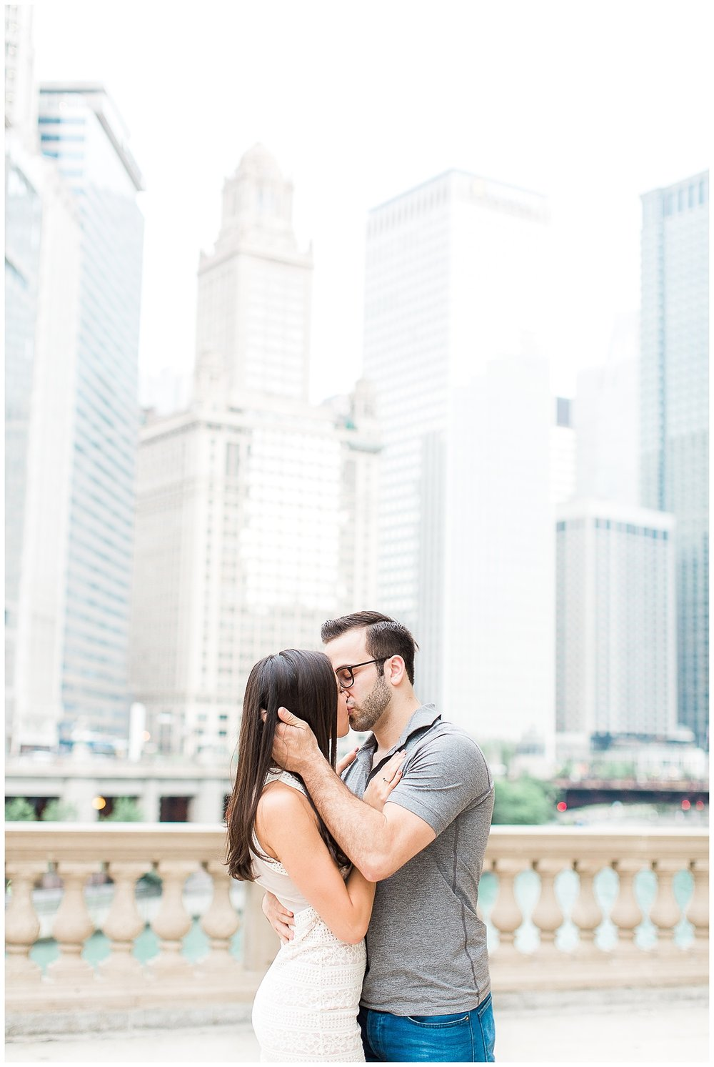 classic-downtown-chicago-engagement-session-1