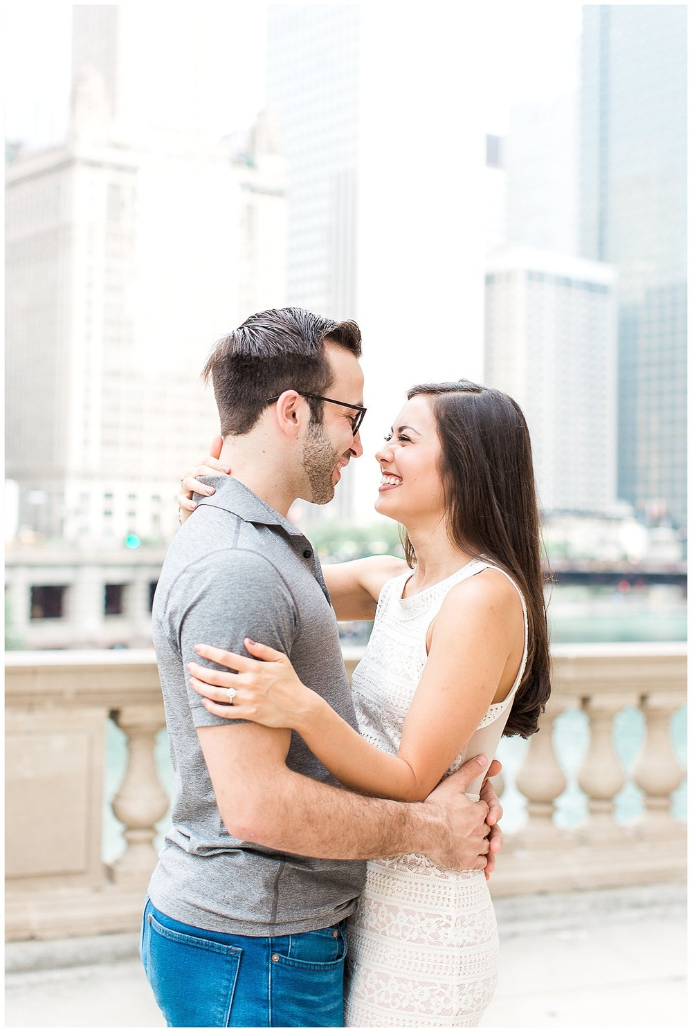 love-downtown-chicago-engagement-session-1