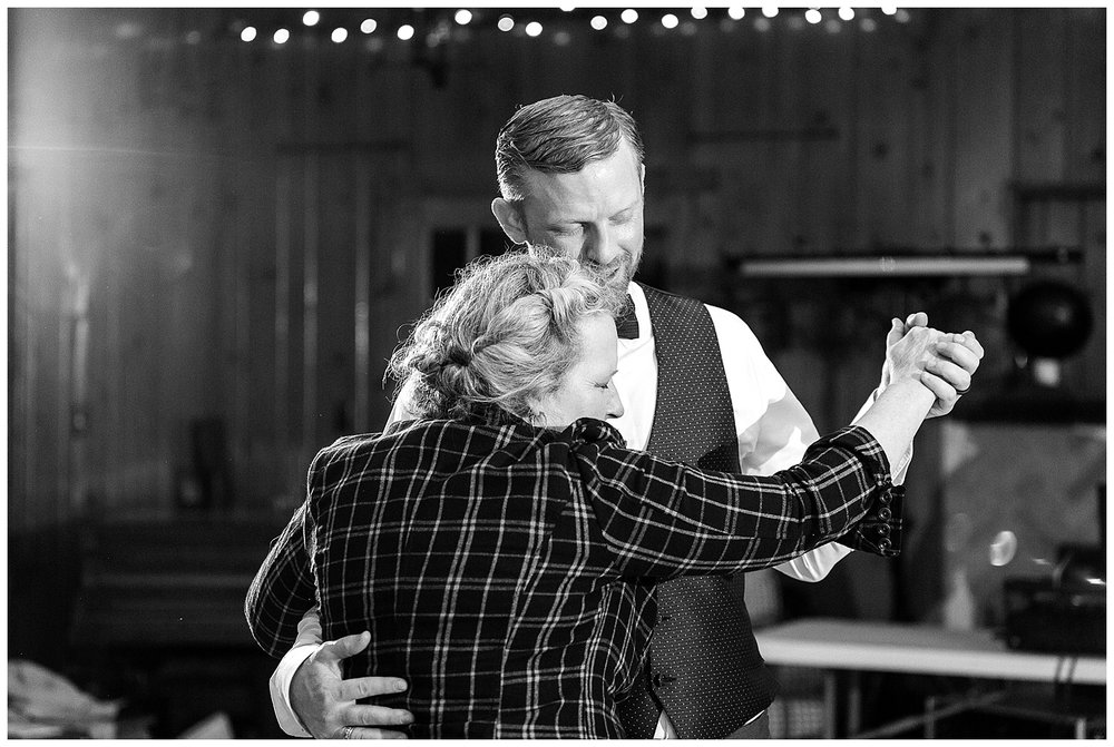 romantic-chicago-wedding-photographer-blush-dress_0068.jpg