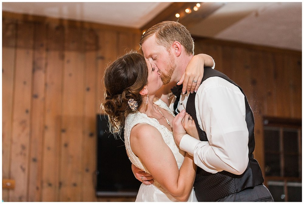 romantic-chicago-wedding-photographer-blush-dress_0066.jpg