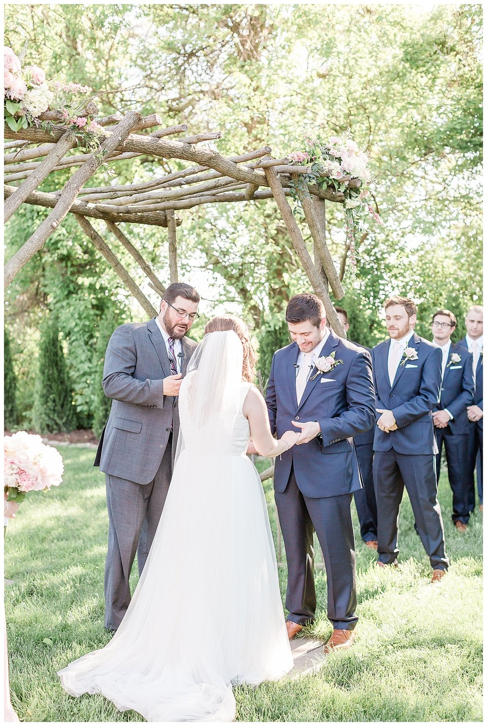 county-line-orchard-spring-wedding-chicago-photographer-light-airy_0023.jpg