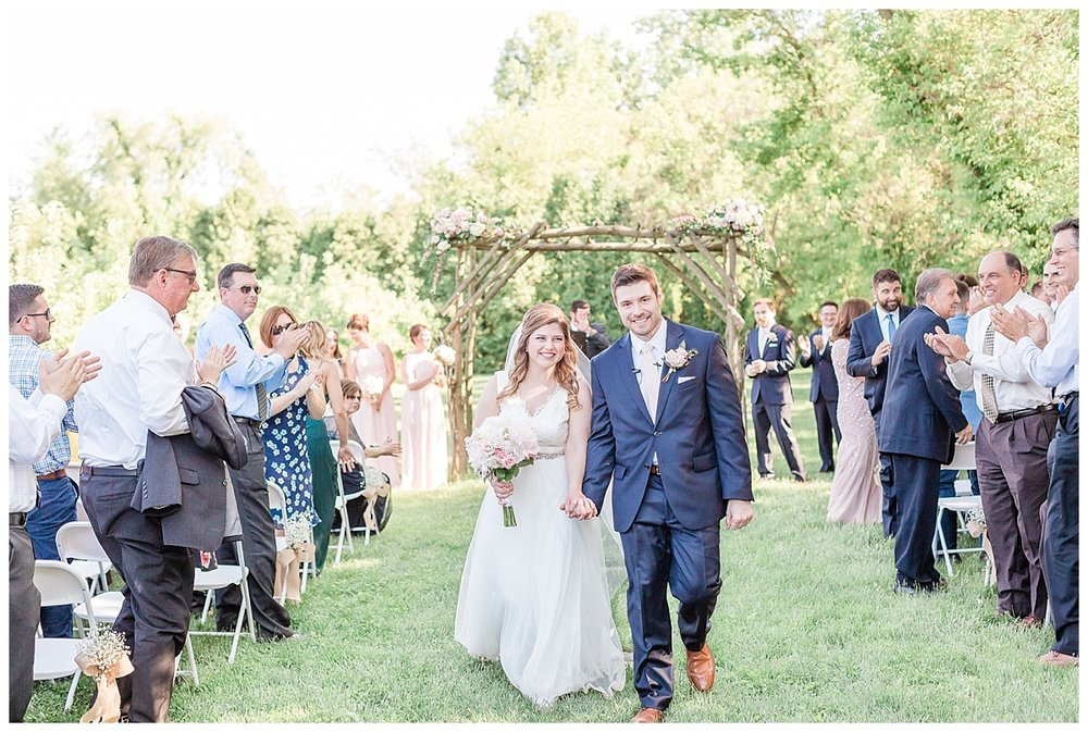 county-line-orchard-spring-wedding-chicago-photographer-light-airy_0024.jpg