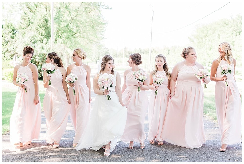 county-line-orchard-spring-wedding-chicago-photographer-light-airy_0028.jpg