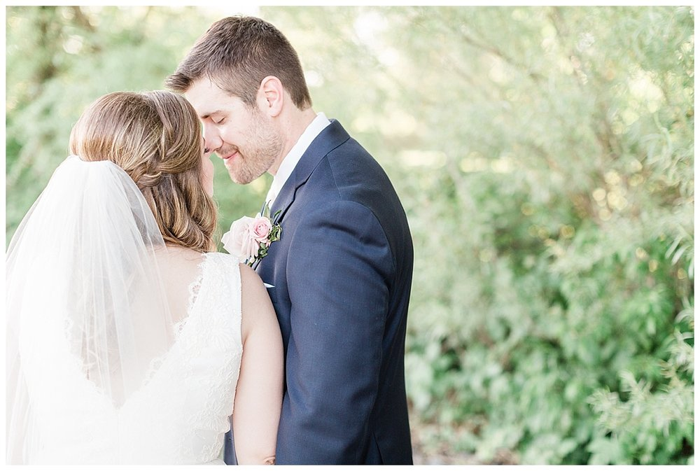 county-line-orchard-spring-wedding-chicago-photographer-light-airy_0035.jpg
