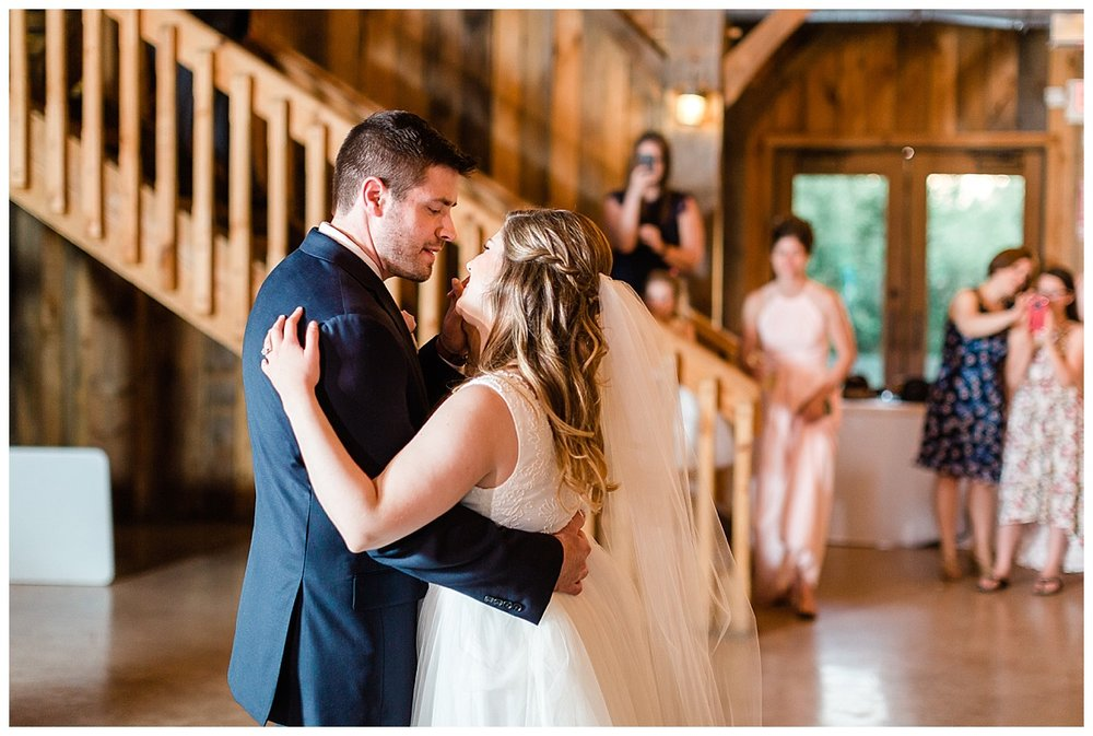 county-line-orchard-spring-wedding-chicago-photographer-light-airy_0042.jpg