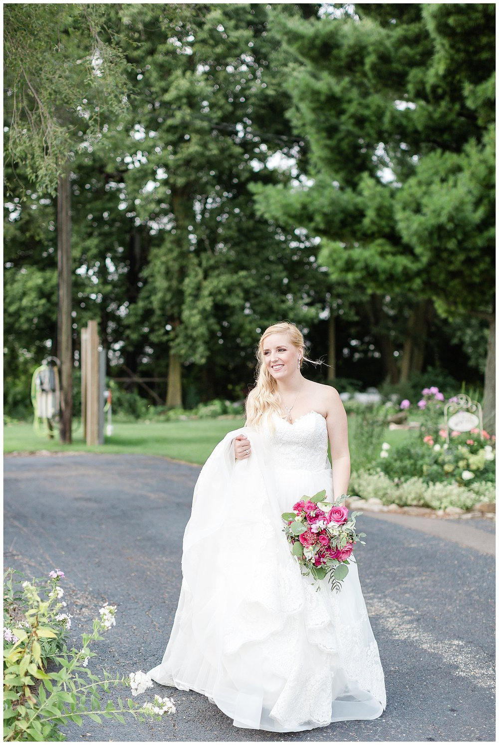 chicago-wedding-photographer-summer-ashley-farms-yorkville-light-airy-lace-dress_0020.jpg
