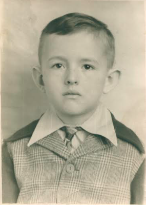 Richard in the first grade at age 6.