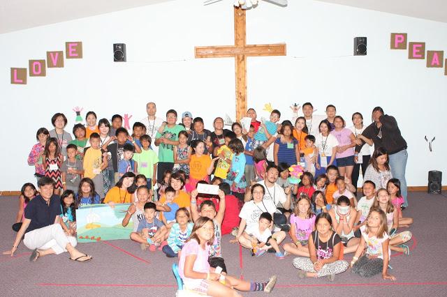 Vacation Bible School을모두 마친 후 단체사진 찰칵!