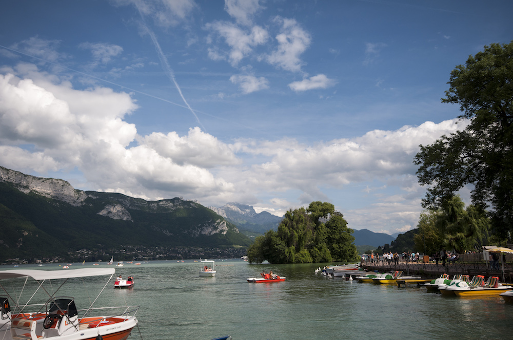Water sports on Lake Annecy