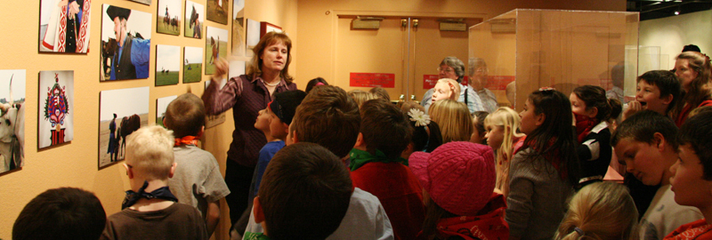 Elko County School Children Tour Wiegand Gallery.