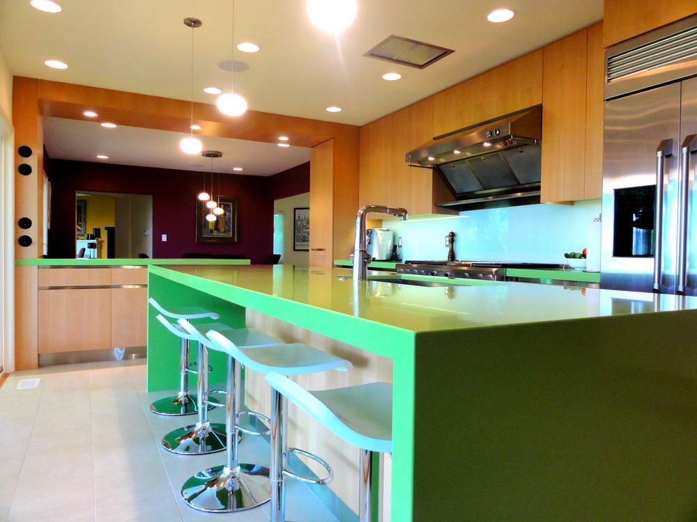 Contem Kitchen 2.jpg