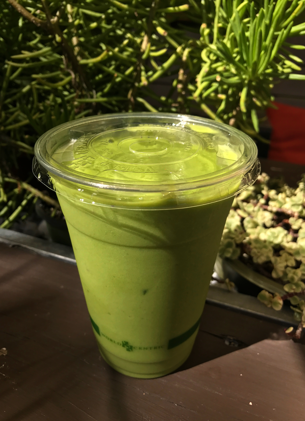 Tropical green smoothie from Date and Thyme