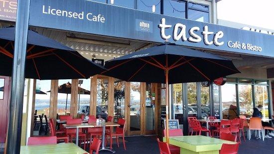 taste-cafe-on-the-lakefront.jpg