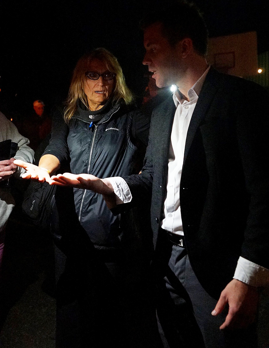 Fun activities for corporate eventsYour Guests Will Literally Come up And Congratulate YouYou've Seen Magic. Master Magician Jon Finch Offers Unique Magic You've Never Seen -