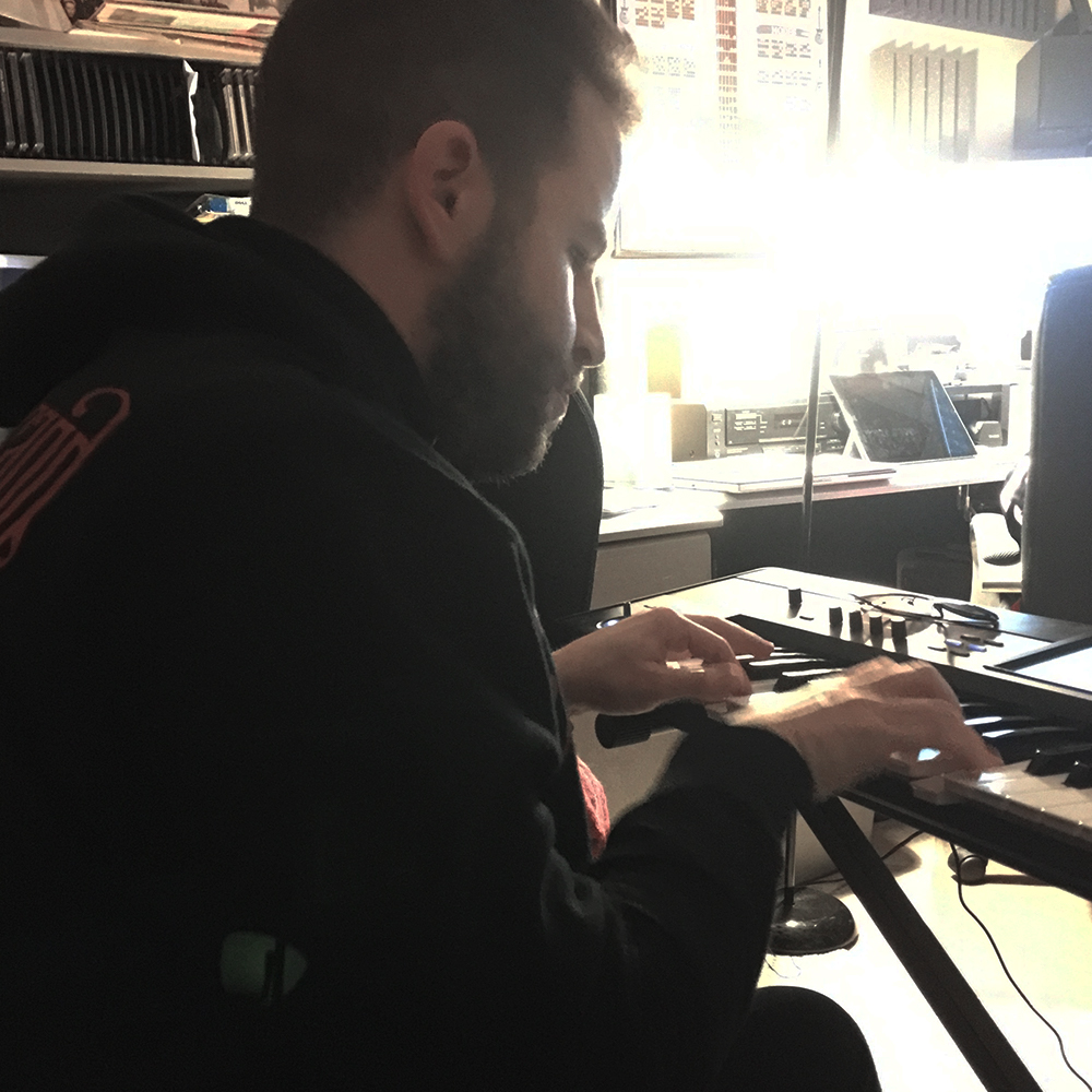 jonah-playing-keyboard