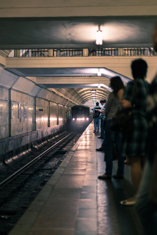 Mosovites waiting for the metro train at the Tyatralnaya Metro Station.