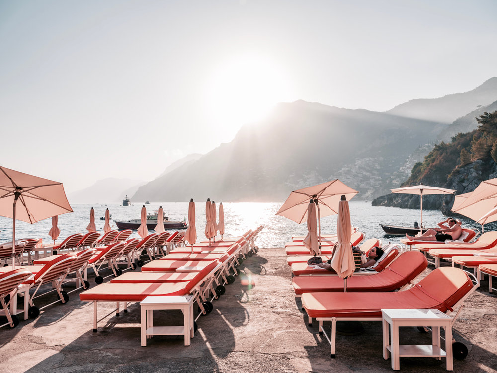 AMALFI FOREVER - A collection honouring the good times of past holidays.