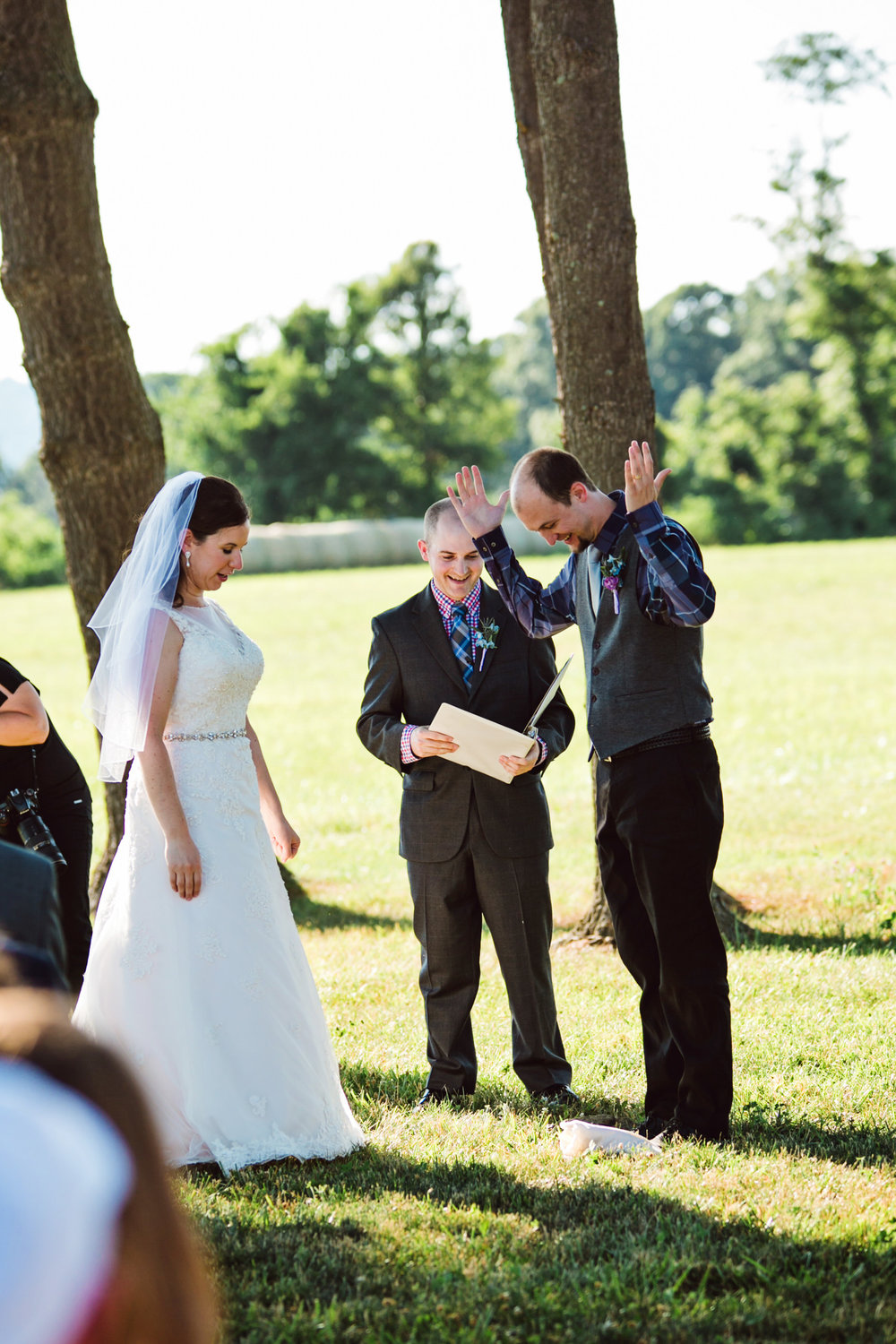 EastLynnFarmWedding-Steph&Aaron-Ceremony-12.jpg