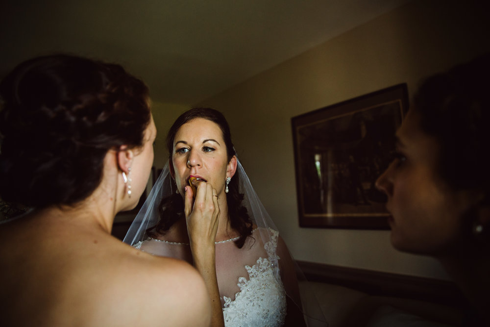 EastLynnFarmWedding-Steph&Aaron-GettingReady-35.jpg