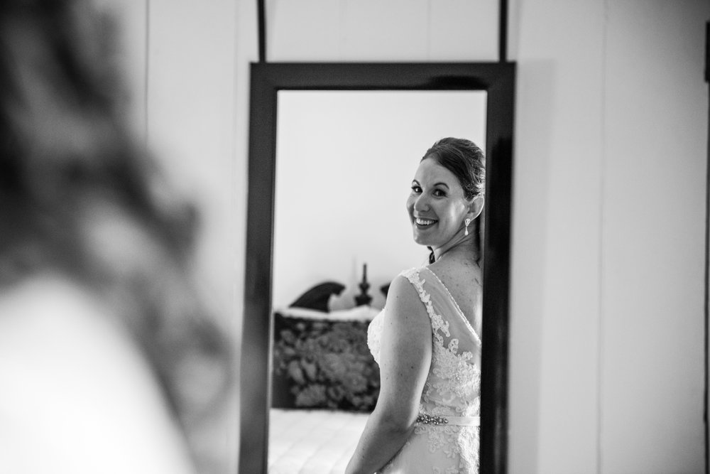 EastLynnFarmWedding-Steph&Aaron-GettingReady-141.jpg