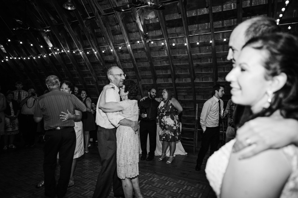 EastLynnFarmWedding-Stephanie&Aaron-Reception-318.jpg
