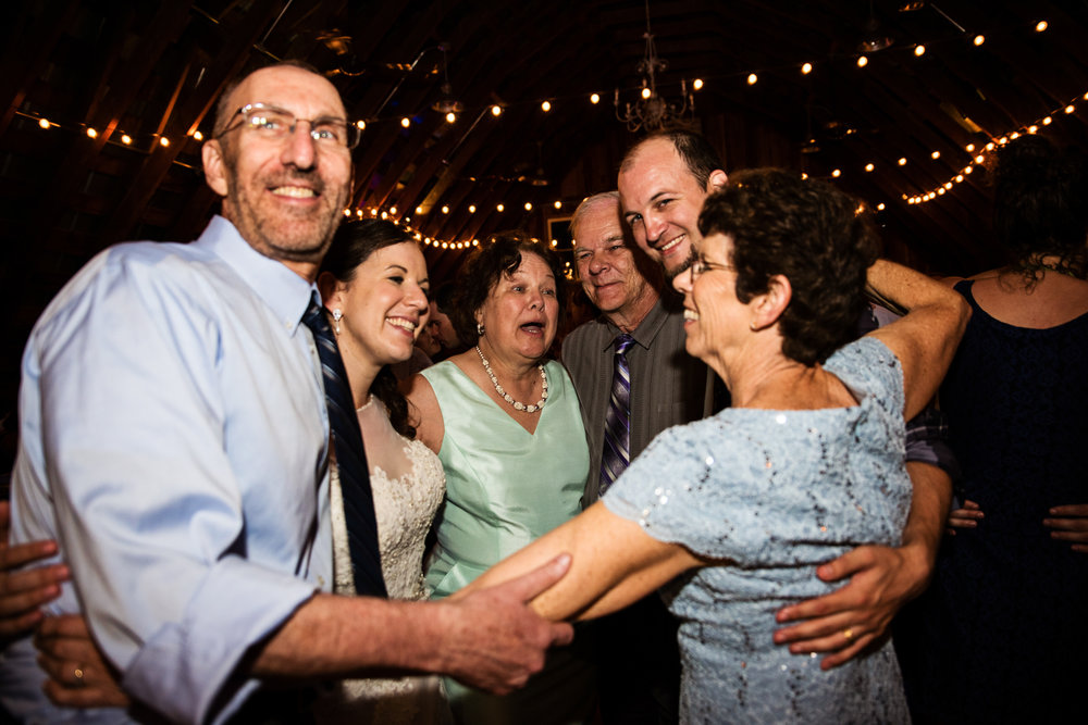 EastLynnFarmWedding-Stephanie&Aaron-Reception-323.jpg