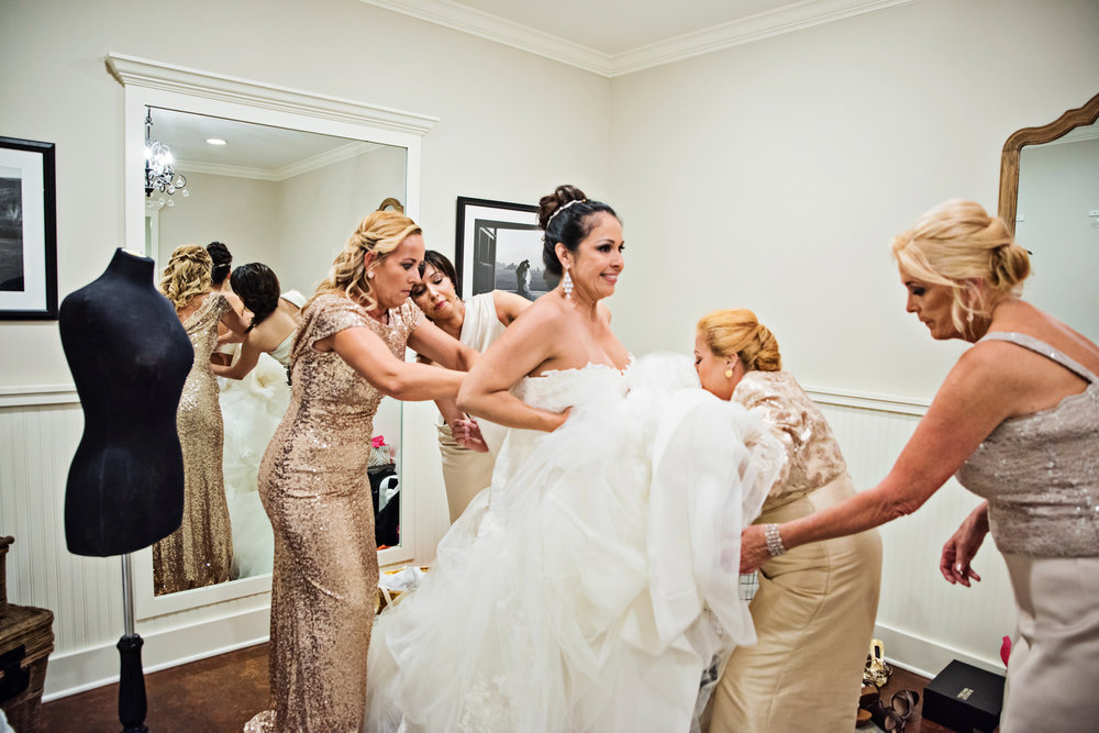 KingFamilyVineyardWedding-GettingReady-217.jpg