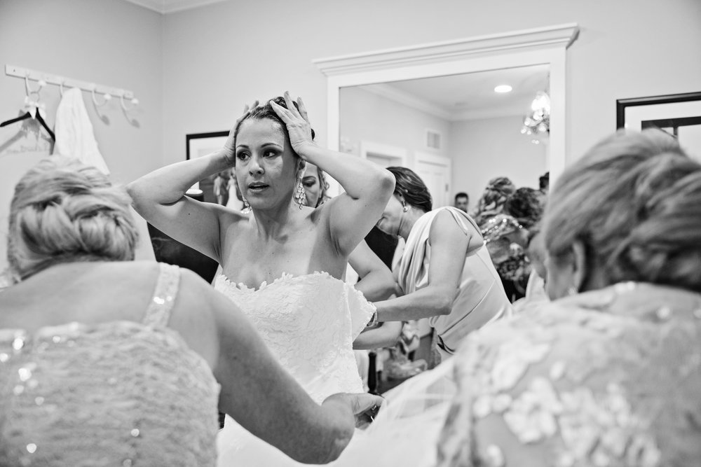 KingFamilyVineyardWedding-GettingReady-223.jpg