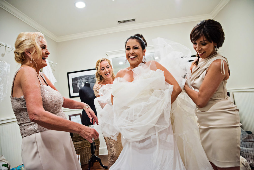 KingFamilyVineyardWedding-GettingReady-233.jpg