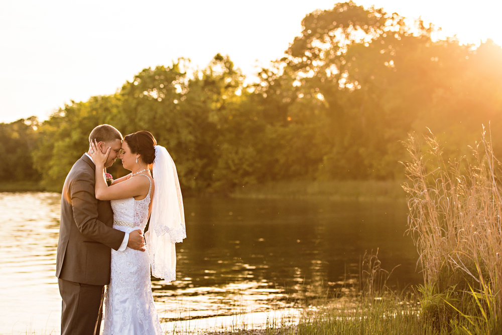 Waters Edge Wedding- Klaudia&Brian-21.jpg