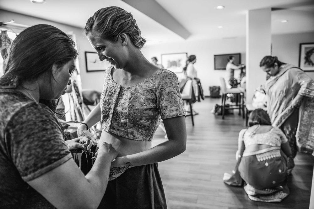 AlexandriaWedding-Blake&Sahaja-GettingReady-22.jpg