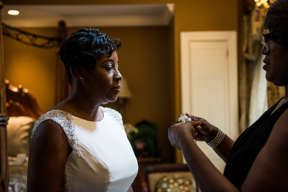 1840sBallroomWedding-Deb&Damien-GettingReady-290.jpg