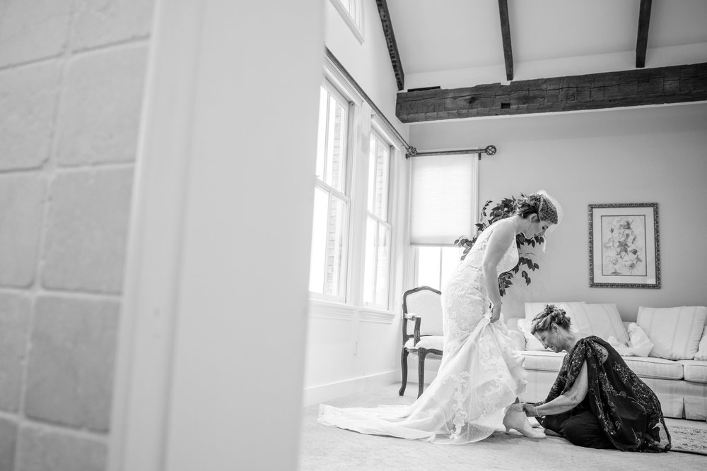 WalkersOverlookWedding-Angela&Ben-Getting Ready-43.jpg