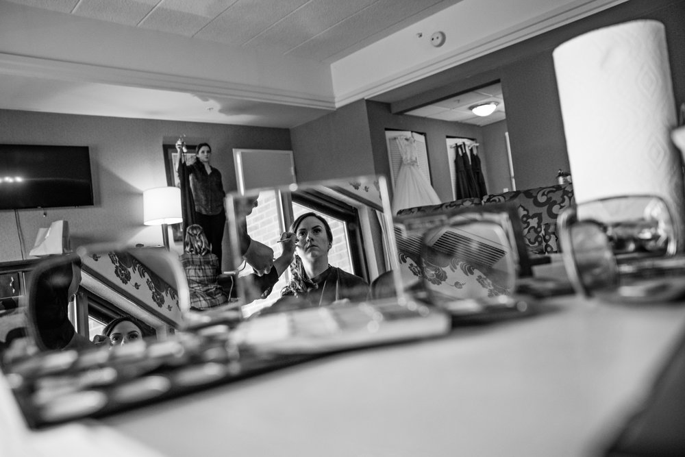 HowardCountyConservencyWedding-Caylie&Dan-GettingReady-5.jpg
