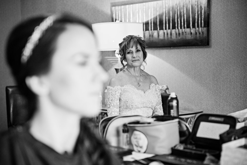 HowardCountyConservencyWedding-Caylie&Dan-GettingReady-8.jpg