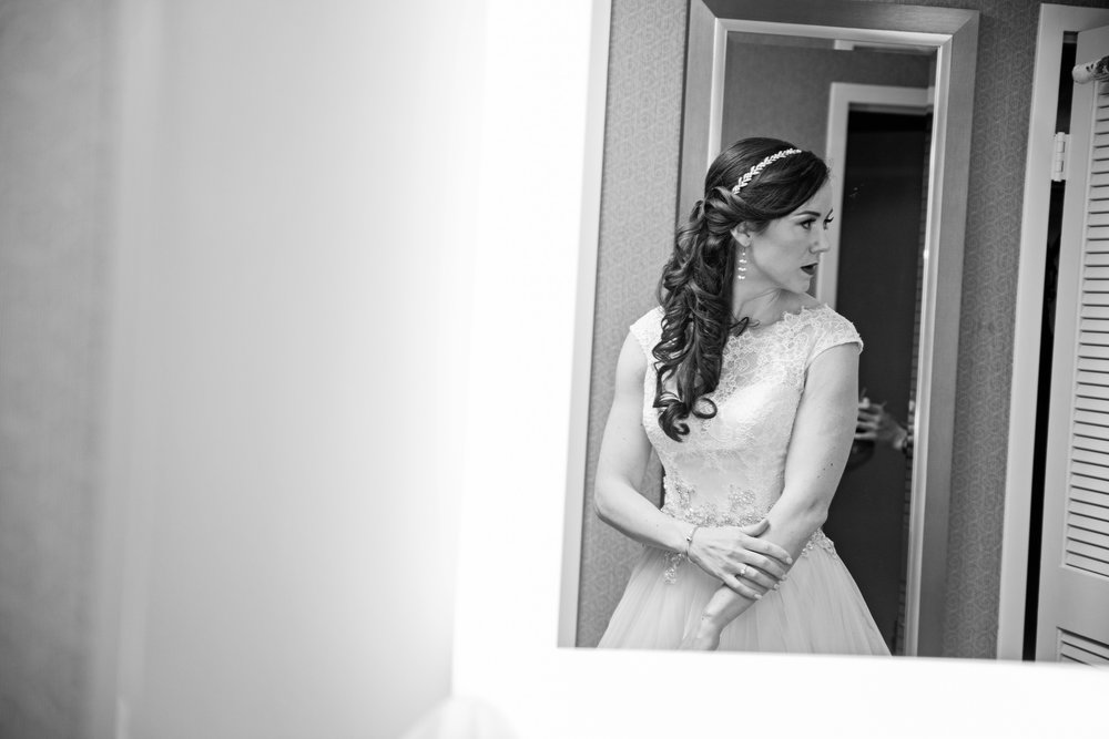 HowardCountyConservencyWedding-Caylie&Dan-GettingReady-26.jpg