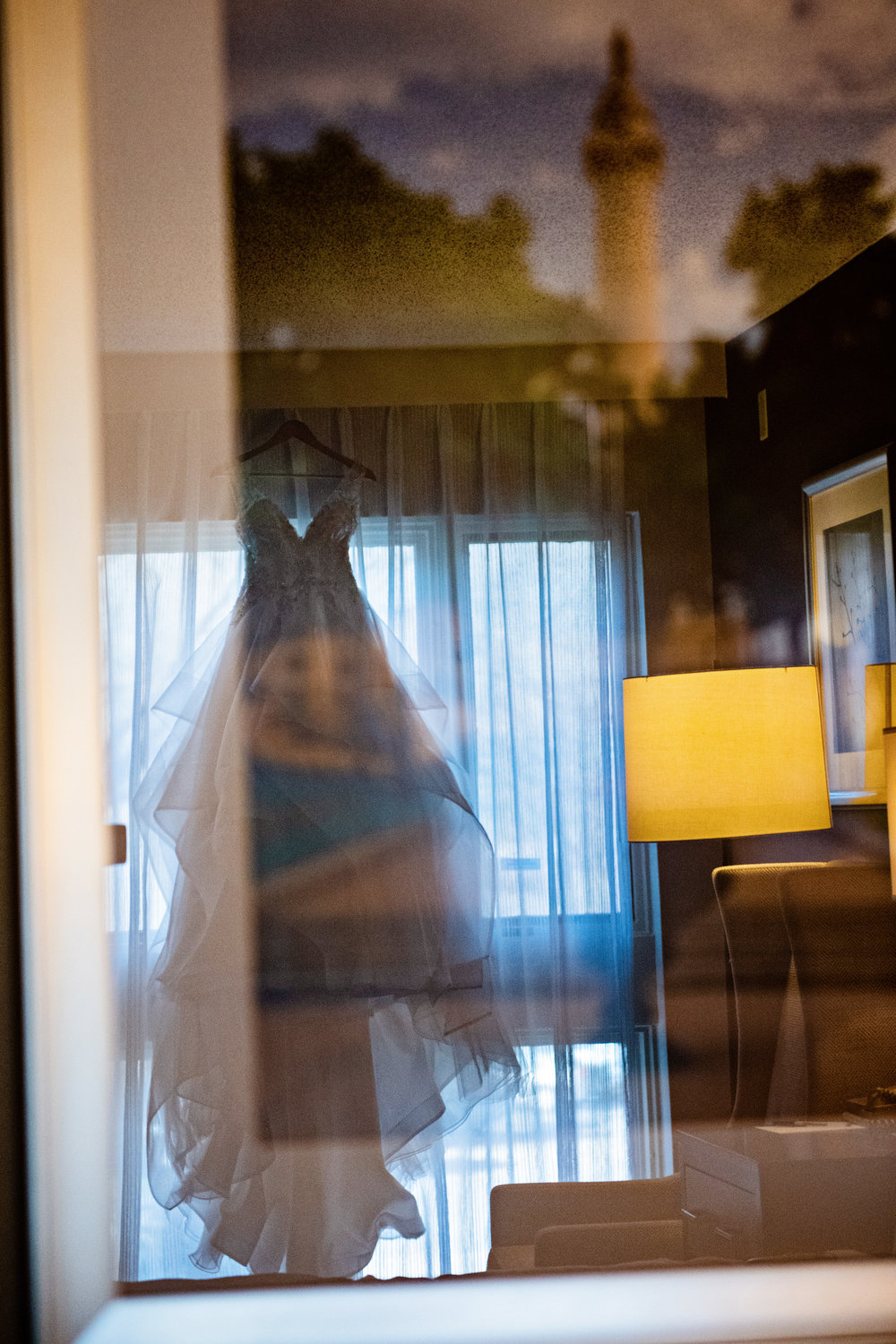 ValleyMansionWedding-Colleen&Conor-GettingReady-63.jpg