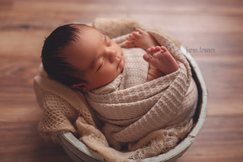 anchorage-newborn-photographer-1.png